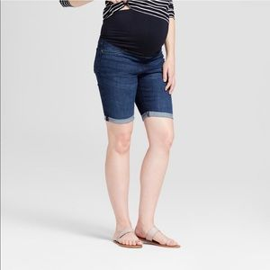 NWT Isabel Maternity Bermuda Shorts Size 10